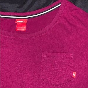 Nike T-shirt raspberry color!!